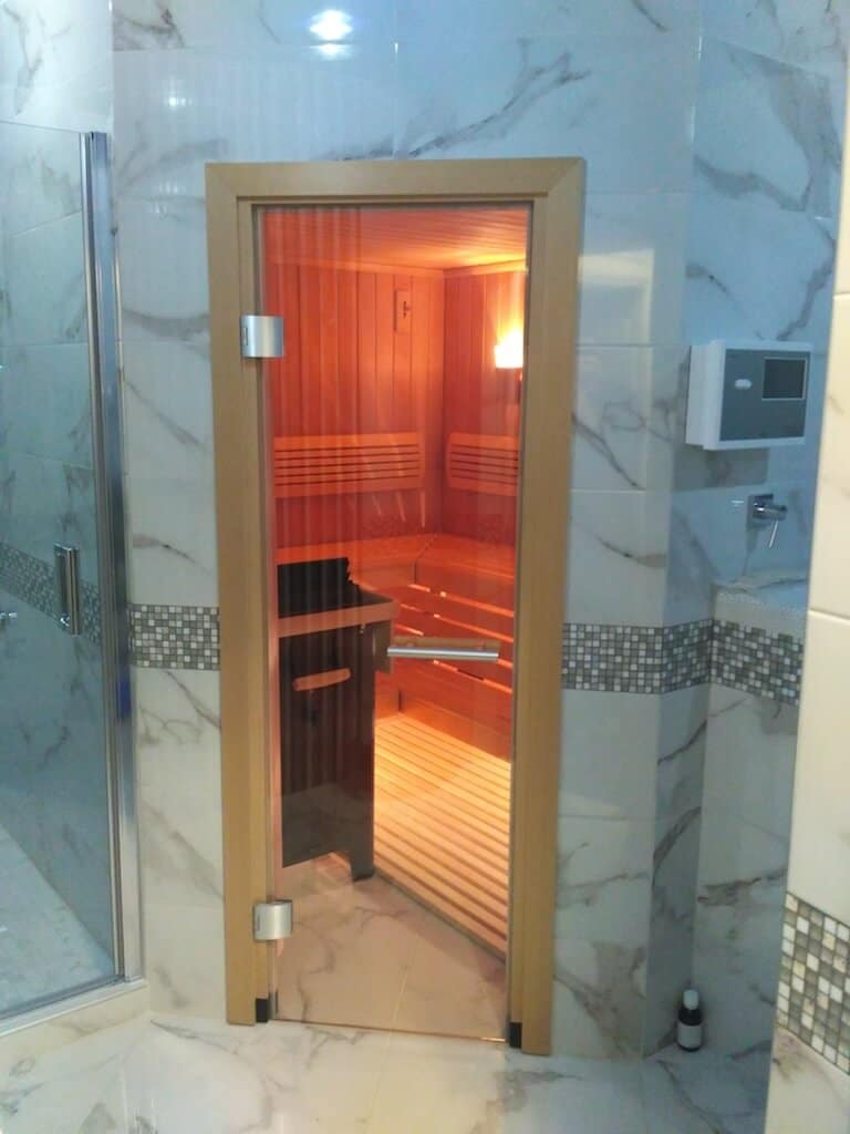 Penkiakampė KLAFS Premium Sauna su šaltu baseinu