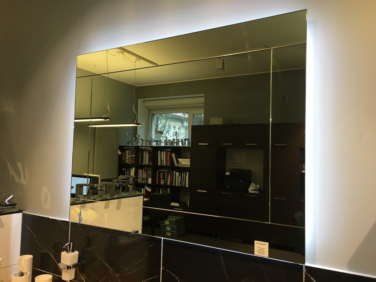 Смена экспозиции в салонах Sanilux и Sanilux home