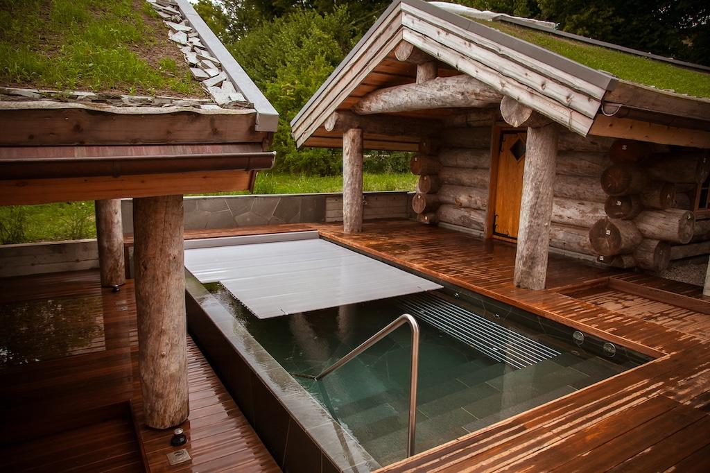 Lauko ir vidaus baseinų uždangos tipai